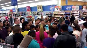 black friday fights in walmart walmart black friday fight 2015 video dailymotion