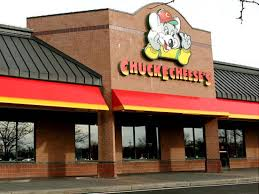 suing chuck e cheese claims chain promotes kiddie