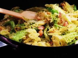 cuisiner un choux vert midi cuisine choux vert au gingembre et noix de cajou