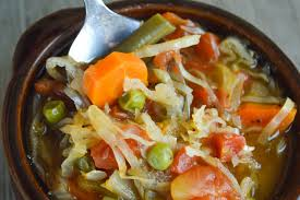 healthy low calorie cabbage soup with vegetables