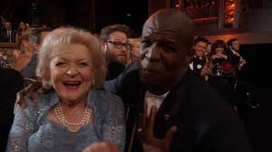terry crews lip syncs u0027the golden girls u0027 theme song to betty white