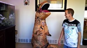 how to put on the kids inflatable t rex halloween costume u0026 take