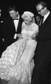 jayne mansfield wedding dress jayne mansfield mickey hargitay married on january 13 1958