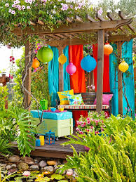 garten dekorieren ideen deko ideen outdoor garten bunt farbe farbenfroh colourful