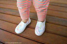 How To Decorate Shoes Decorating Shoes Laughing Kids Learn