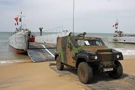 renault trucks defense renault trucks défense acmat et panhard présents à euronaval