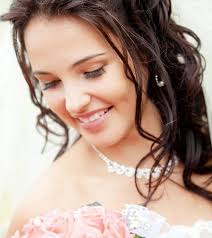for brides hairstyles for brides with faces