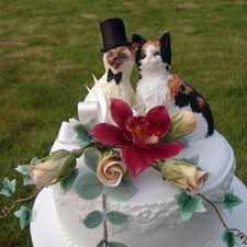 cat wedding cake topper cool cats wedding cake with glass goblet separators