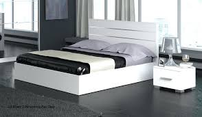 chambre a coucher blanc laque brillant lit blanc 2 personnes with lit gigogne bois massif 90 1 personne