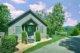 one bedroom cabins in gatlinburg tn honeymoon cabin near the parkway in pigeon forge tn