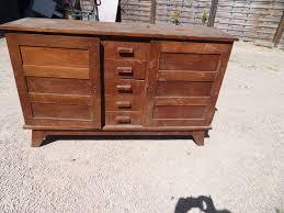 relooker un bureau en bois vieux bureau bois gallery of retour au bois relook meubles relooker