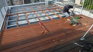 holzdielen balkon terrassenholz und bangkirai holzdielen selber verlegen
