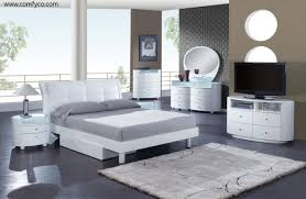 Cheap White Gloss Bedroom Furniture by Glossy White Bedroom Furniture Yunnafurnitures Com