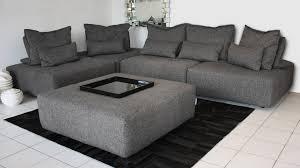 tissu pour canapé le mobiliermoss le canapé idéal pour regarder la coupe du