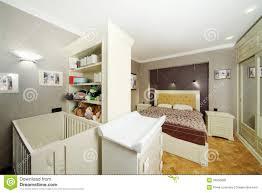 aménager chambre bébé dans chambre parents lit bb dans chambre parents dans la chambre des parents du lit est