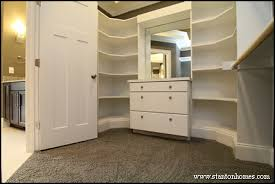 WalkIn Closet Design Layout And Storage Ideas - Master bedroom closet designs