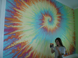 how to paint a tie dye inspired fresco residential interior wall i used benjamin moore aura interior paint to paint this fresco