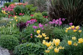 make your garden beautiful by flower ideas home inspiration garden design with diy planter box home how and when to plant spring bulbs powerscourt pavilion