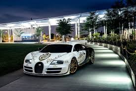 bugatti veyron gold goldrush rally bugatti veyron supersport pur blanc in nyc gtspirit