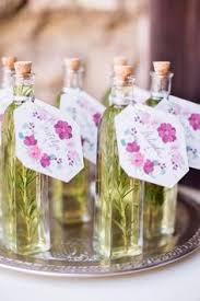 wedding guest favors 24 wedding favor ideas that don t favors and studio