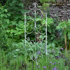 garden trellises from the gardening website