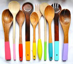 materiel de cuisine personnaliser ses ustensiles de cuisine en bois idée