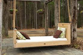 Swinging Bed Frame Here Are Outdoor Swinging Beds Collection The Rustic Bed Swing