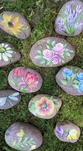 Painted Rocks For Garden by 15 Awesome Painted Rock Projects Blog Diy Crafts Plaid Online