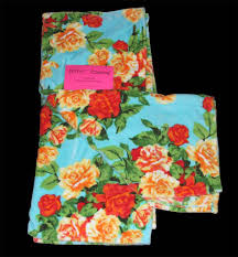 betsey johnson flowers roses 50 x 70 super soft plush throw 3