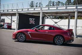 Nissan Gtr Red - 2015 nissan gt r gets updates priced starting at 103 365 motor