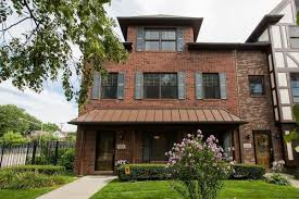 Townhouse Or House Art Center Townhouse With Its Own Elevator Asks 449k Curbed Detroit