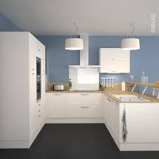 cuisine couleur ivoire cuisine meubles couleur ivoire et murs bleu océan façade anse
