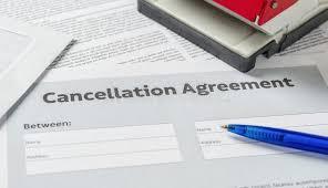 onem bureau annuleringsovereenkomst met een pen een bureau stock foto