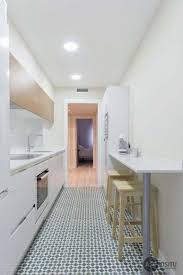 comment poser un plan de travail dans une cuisine comment poser un plan de travail sans meuble