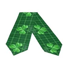 st patrick s day table runner amazon com naanle double sided st patrick s day clover polyester