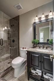 Shower Ideas For Small Bathrooms by Best 25 Small Bathroom Makeovers Ideas Only On Pinterest Small