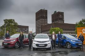 opel ampera electrifying first norwegian customers receive their opel ampera e