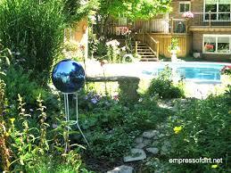 Creative Garden Decor Eye Catching Diy Garden Balls Inexpensive Decorations The Art In