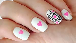 love nail art using toothpick and eyeliner tic tac toe nail art