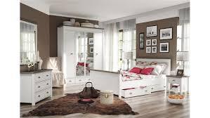 Schlafzimmer Bett Und Kommode Chateau In Weiß Und San Remo Eiche