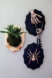 creepy halloween taxidermy plaques fall diy decorations