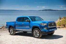 2006 toyota tacoma mpg 2016 toyota tacoma vs 2016 chevrolet colorado which is better
