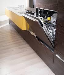 cuisine lave vaisselle en hauteur meubles cuisine quelle armoire pour votre électroménager mobalpa