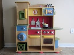 little tikes cookin u0027 creations kitchen giveaway listen to lena