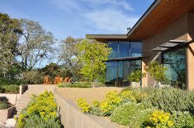 alan nicholson design studio creates a contemporary home in