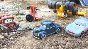 disney cars 3 toys primer lightning mcqueen u0026 mater save junior