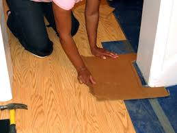Laminate Floor Edging Trim How To Install A Laminate Floating Floor How Tos Diy