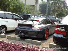 porsche 911 indonesia porsche 911 gt3 spotted in jakarta indonesia on 05 01 2012