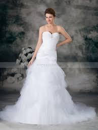 brautkleid aus t ll romina herz ausschnitt satin meerjungfrau brautkleid mit brosche
