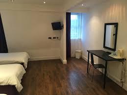 Laminate Flooring Newcastle Upon Tyne Inn Manhattans Newcastle Upon Tyne Uk Booking Com
